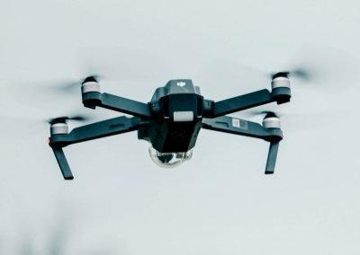 Come fa un drone a volare (ala fissa e multicotteri)